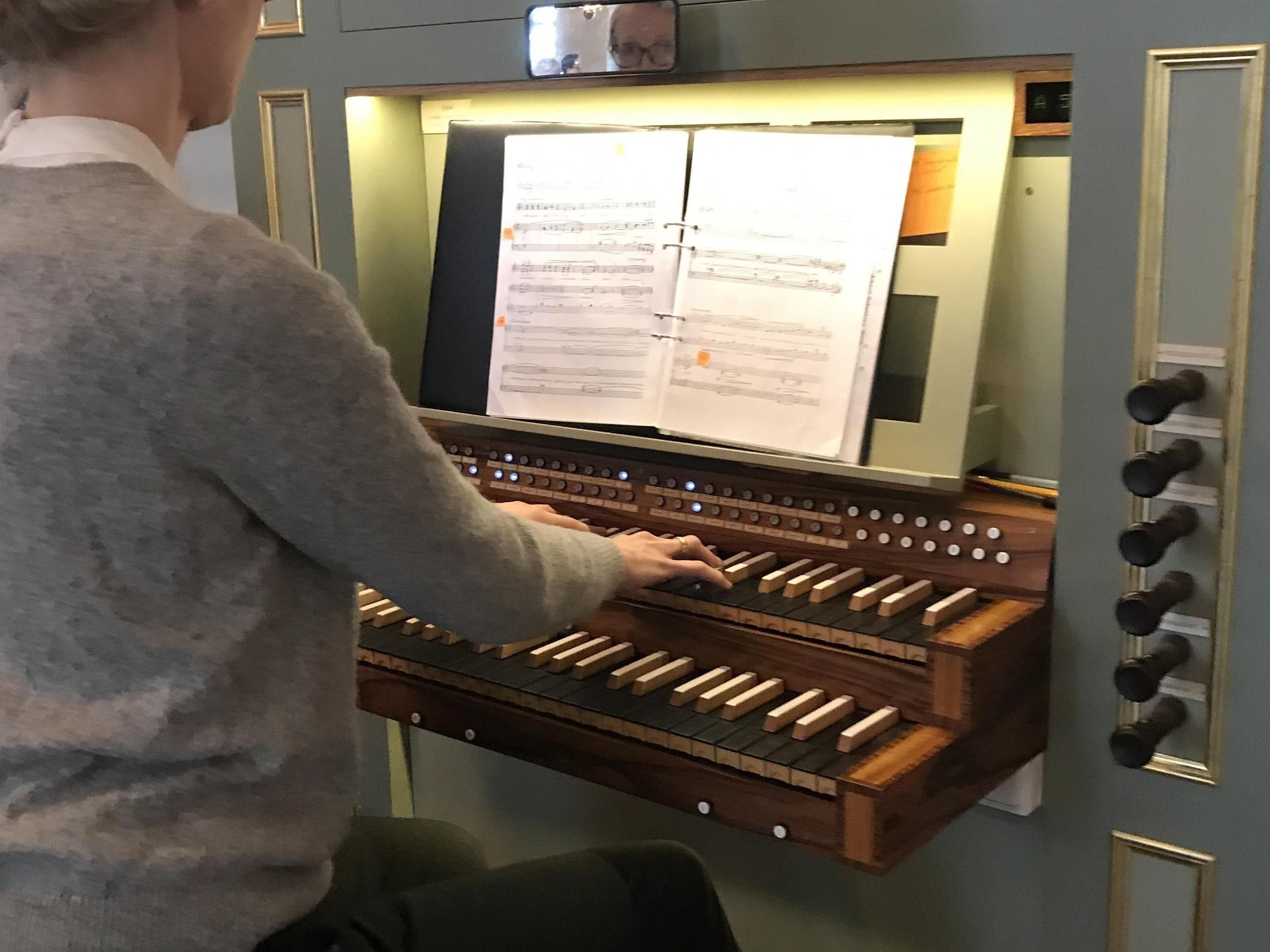 Lunchkonsert med orgelvisning och orgelbygge