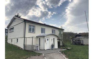 Borås - Villa med härlig altan - 5 min bilväg till tävlingsarenor - 6433