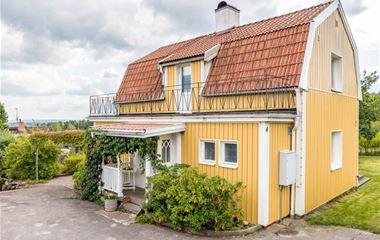Åby - Hus + gäststuga i Jursla - 6464