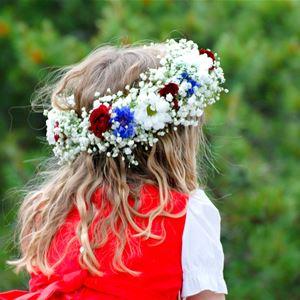 Blomsterplockning inför midsommar