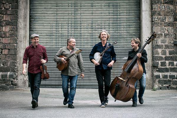 Quilty, irländsk folkmusik, mellanfjärden, konsert,  © Quilty, irländsk folkmusik, mellanfjärden, konsert, Quilty, irländsk folkmusik, mellanfjärden, konsert