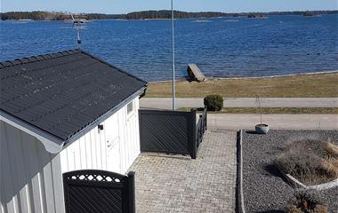 Gårdshus Timmernabben 15 m från strandkanten