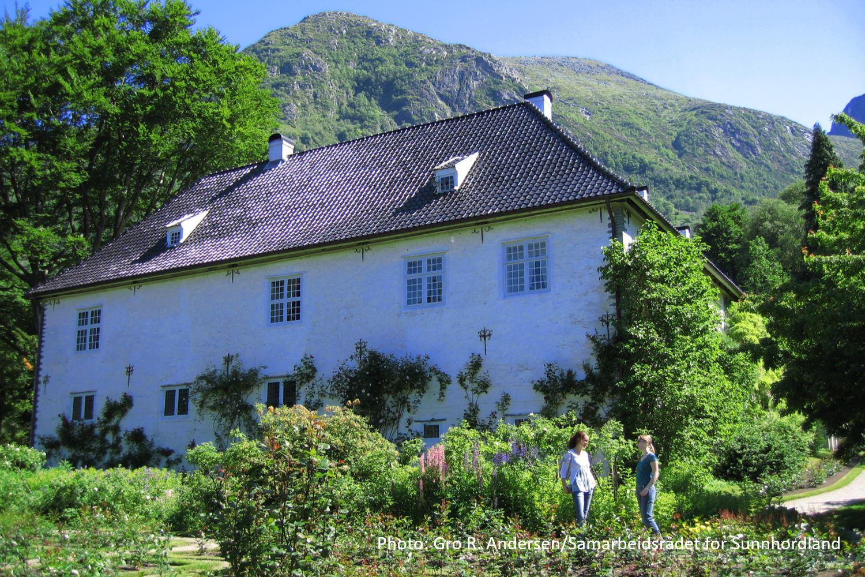 © Gro R. Andersen/Samarbeidsrådet for Sunnhordland, Travel like the locals - Baroniet i Rosendal