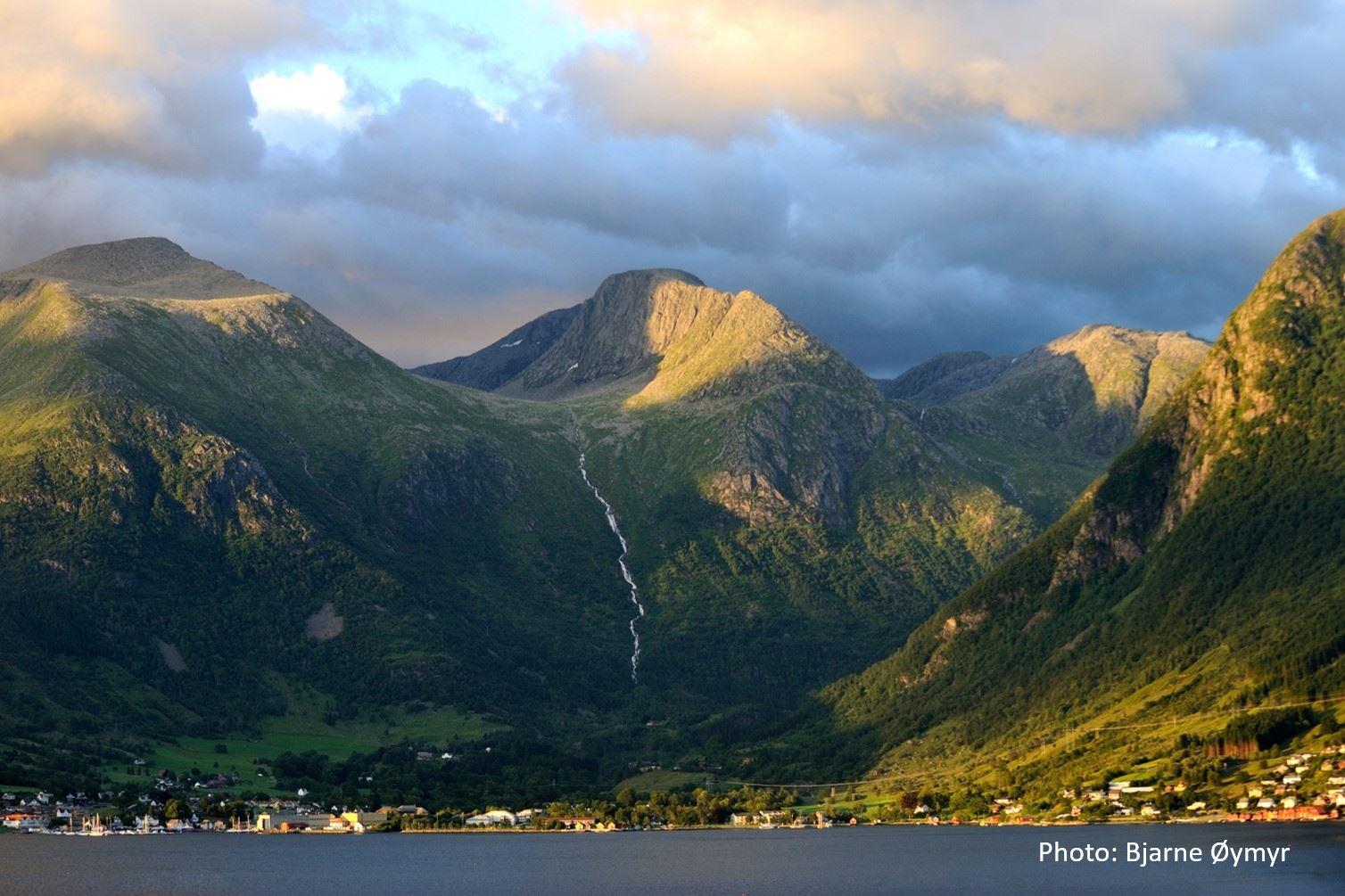 © Bjarne Øymyr, Travel like the locals - Rosendal i Hardanger
