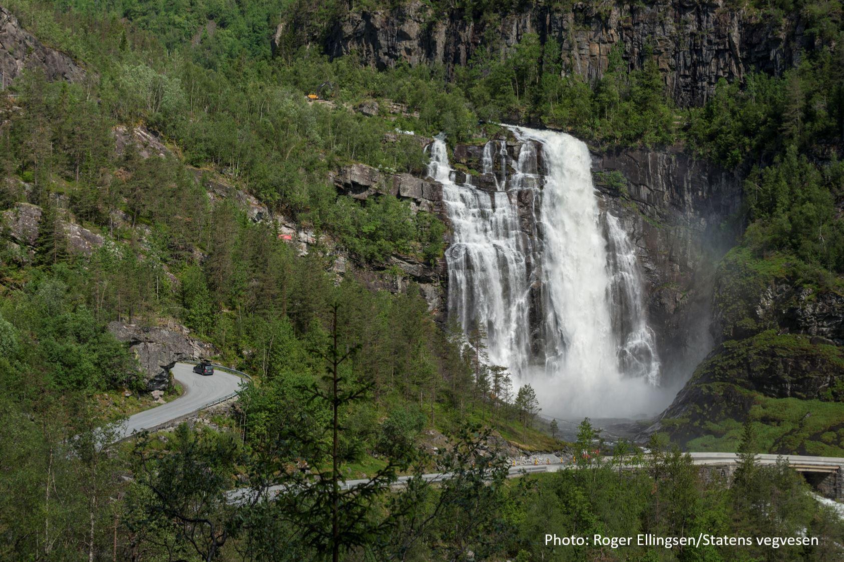 © Roger Ellingsen/Statens vegvesen, Travel like the locals - Skjervsfossen Waterfall in Granvin