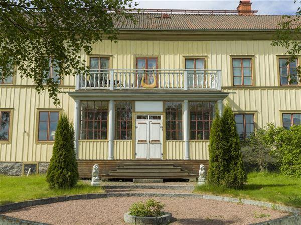 Lôkes Lökes Lokes Hälsingegård Boning Järvsö Träslott Hälsingland