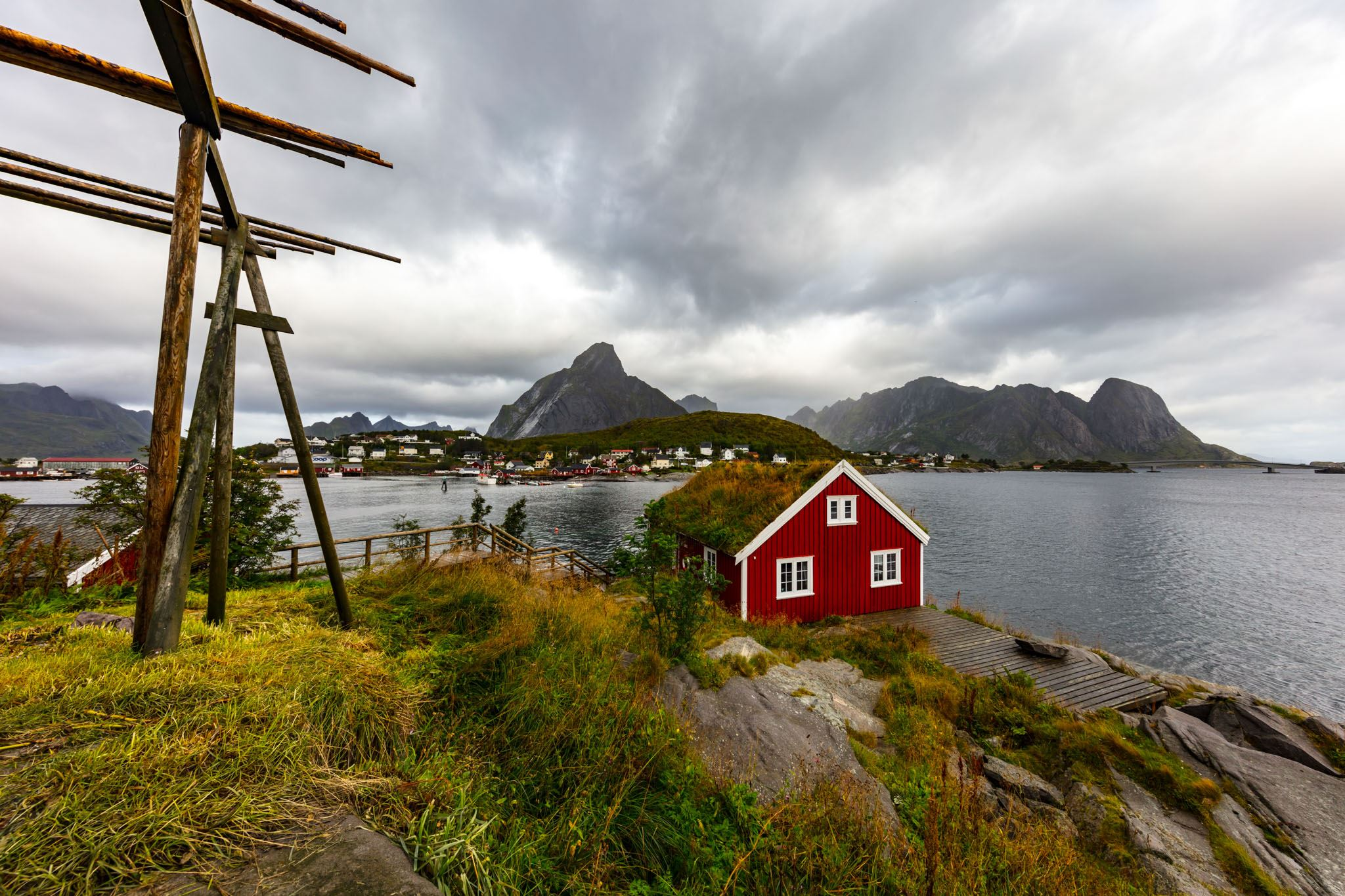 Lofoten Sightseeing to Henningsvær and Haukland Beach