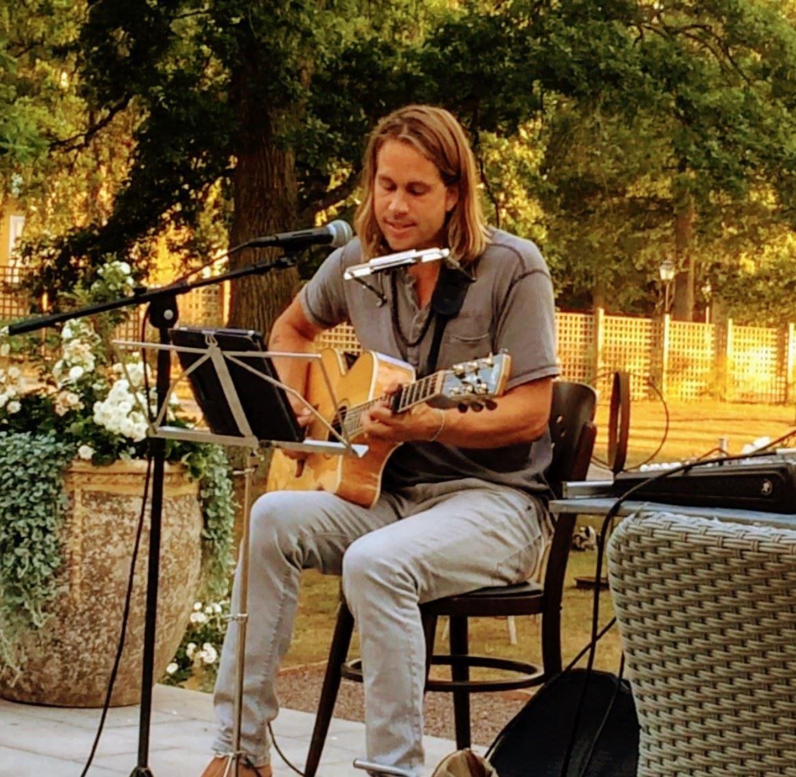 Music in Nötabråne with Mikael Ela-Vinda