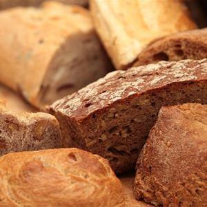 Lunnabacken: Wir backen Brot im Hauptgebäude