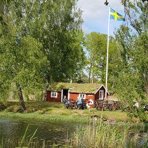 Ta Krösatåget till hembygdsön i Holmsjö.