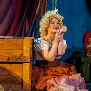 Pawel Iwanow, Evelina Stenvall spelar rollen som Susanna