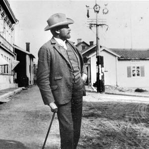 © Leksands lokalhistoriska arkiv, Gustaf Ankarcrona 150 år - Ankarcronas Holen, en konstnärs hem