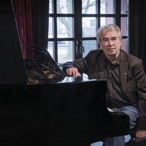 Mira Åkerman, Musik: Husebymusiken - Staffan Scheja