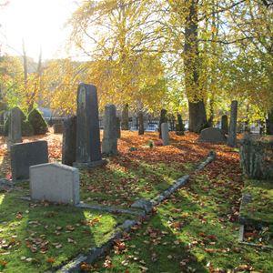 Sommar i Sagobygden: Berättande kyrkogård