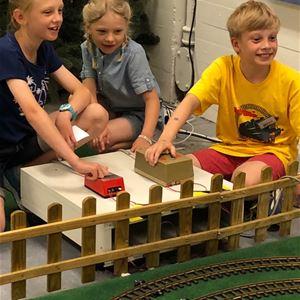 Spöktåget kör på Minivärlden i Ljungby