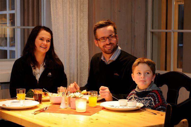 Esben Haakenstad,  © Hafjell Resort, Hver søndag har Hafjell Hotell buffet