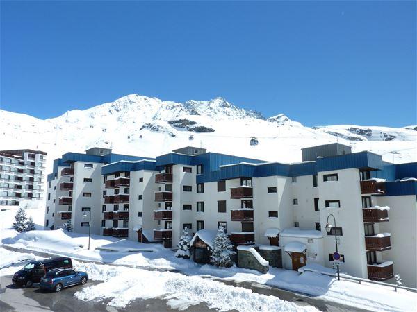 SCHUSS 102 / STUDIO 5 PERSONS - 2 SILVER SNOWFLAKES - VTI