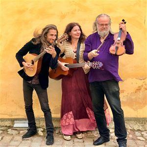 Judisk folkmusik med Salamander under Jom Kippur