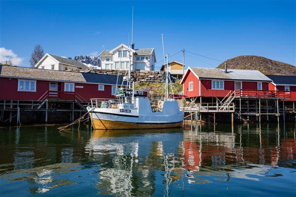 © Lofoten Rorbuhotell, The fishermen cabins at Lofoten Rorbuhotel i Sørvågen