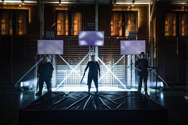Teater: Ljusets Rike 2039