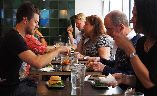 Dan Magnusson,  © Food Walk Gävle, Besök på Lilla Tjuren