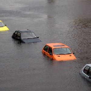 Acuppa John Wigham, Bild på översvämmade bilar