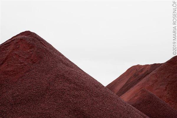 Fotoutställning: Red is the color of your life av Maria Rosenlöf