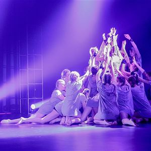 Sundayfun, Danceshow - Naval musem