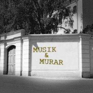 © Sveriges Fängelsemuseum, svartvit bild av muren kring gamla cellfängelset.