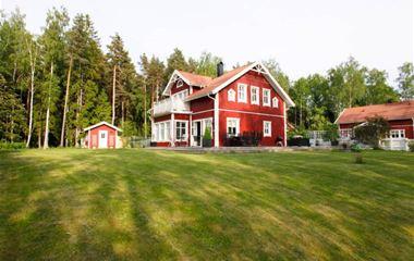 Knivsta - 1,5 plans hus lantligt 3 km från Knivsta C - 7231