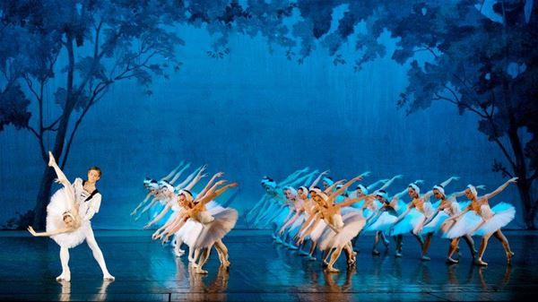 Dans: Svansjön med den ryska nationalbaletten i Moskva