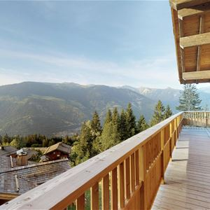 6 rooms 12 people ski-in ski-out / CHALET YUM (Mountain of Exception) / Tranquillity Booking