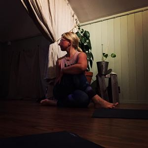 Hatha yoga in the Maritime Quartier in Mariehamn