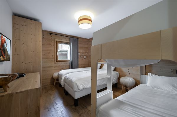 4 rooms 6 adults and 2 children / CHANTEMERLE RJ 03 (mountain of charm) / Tranquillity Booking