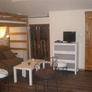 © vasse, HPG172 - Appartement situé au 1er étage d'une maison