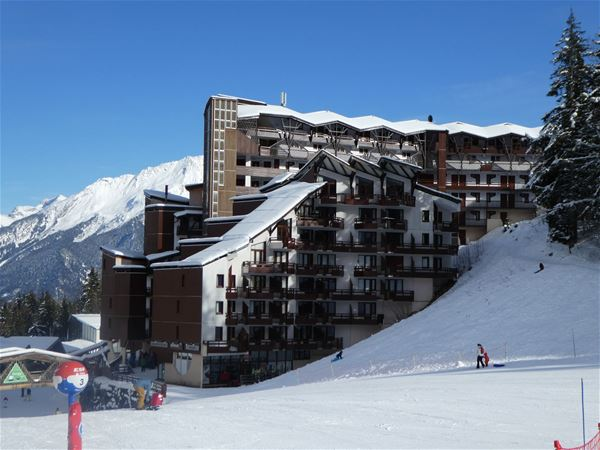 3 rooms cabin, 6 people ski-in ski-out / Grand Bois A606 (Mountain) / Tranquillity Booking