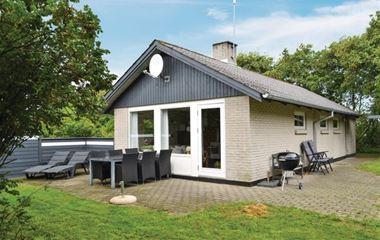 Bjerregård - P62674