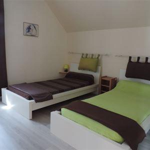 © OT COEUR DES PYRENEES, NBM15-3 - Appartement Duplex*** en coeur de village