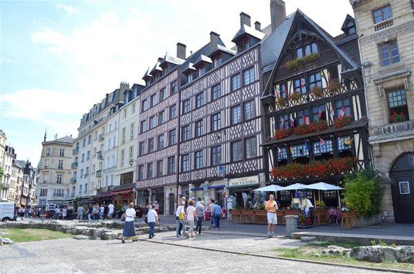 """Chèque cadeau """"Rouen au temps de Jeanne d'Arc"""" : visite guidée et déjeuner à La Couronne"""