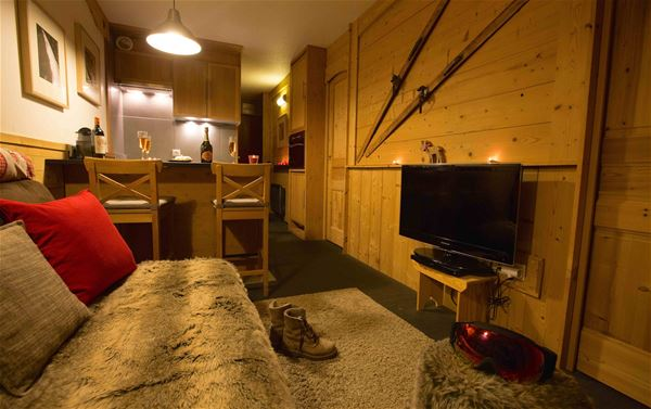 LAUZIERES 415 / APARTMENT 2 ROOMS CABIN 4 PERSONS - 4 GOLD SNOWFLAKES - ADA