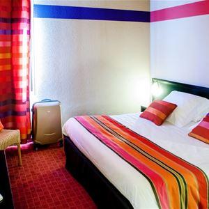 © hotel Saint Sauveur, HPH109 - Hôtel contemporain à Lourdes