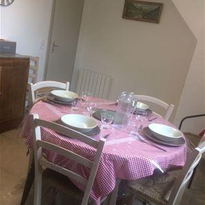 LUZ054 - Appartement 4 personnes dans une maison dans la village de Grust