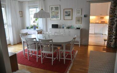 Uppsala - Ljus och stor lägenhet nära O-ringenstaden - 7582