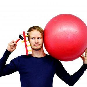 NAIV. SUPER.   Jens Nilsson (Teater Tomat)