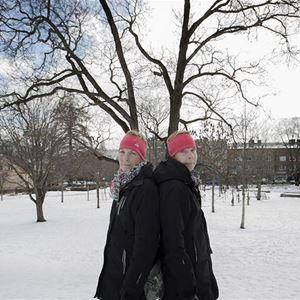 Karin Thoring, Två fotografer; Lars Dahlström - Ögonblick och Karin Thoring - Inte utan min syster