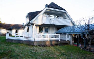 Uppsala - Rymlig villa nära Lunsen - 7602