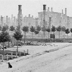 Svartvitt foto. 1969. Bilden är tagen från norra delen av Norra Kungsgatan, korsningen vid Staketgatan, med vy mot hela norra stadsdelen. Rådhuset i bakgrunden.