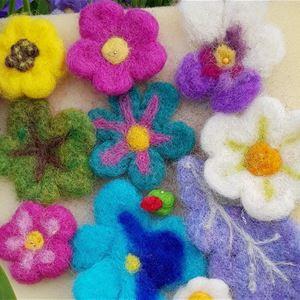 Tova med ull med inspiration av våren