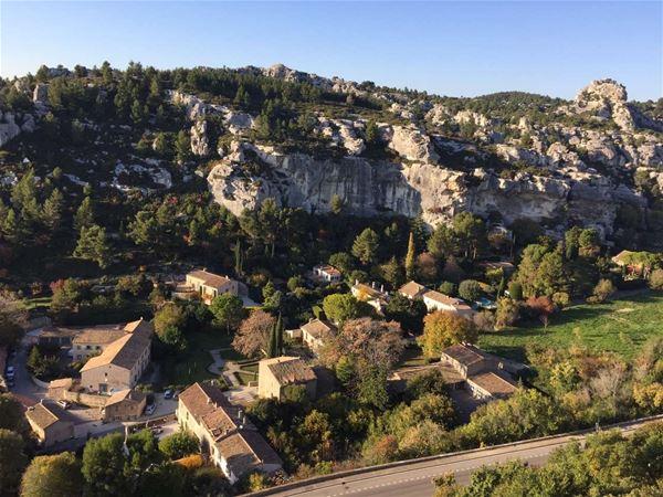 Visite de 4 très beaux villages provençaux & visites et dégustation de vin et huile d'olive - Ouvlong Travel