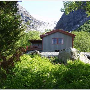 Briksdalsbre Fjellstove (rooms)